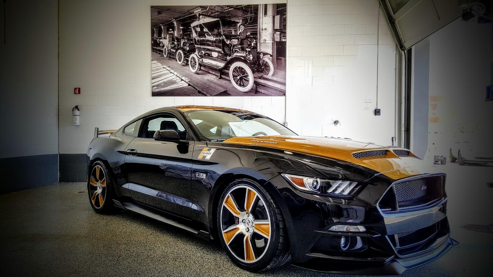 Mustangs gentlemens club
